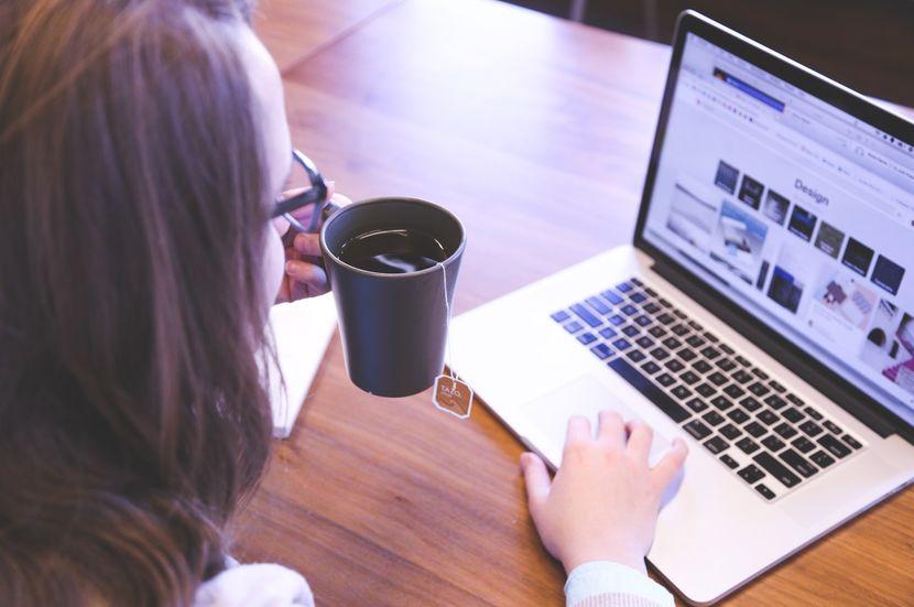 Tráfico a tu web: ¿Cómo llevarlo sin morir en el intento? - Alicia Higgins