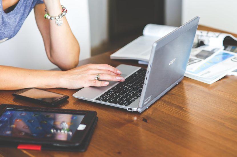 Entrevistas laborales por videollamada, 6 tips para pasarlas - Mibucle