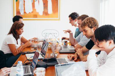 7 de cada 10 trabajadores en Argentina está conforme con su empleo - Mibucle