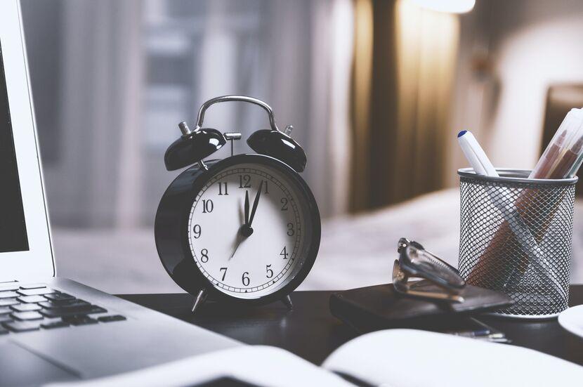 Por qué trabajar muchas horas seguidas disminuye la productividad - Mibucle