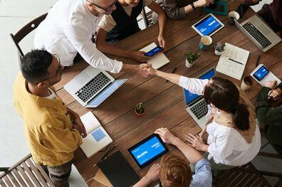 Cómo descubrir la cultura de una empresa antes de trabajar allí - Mibucle
